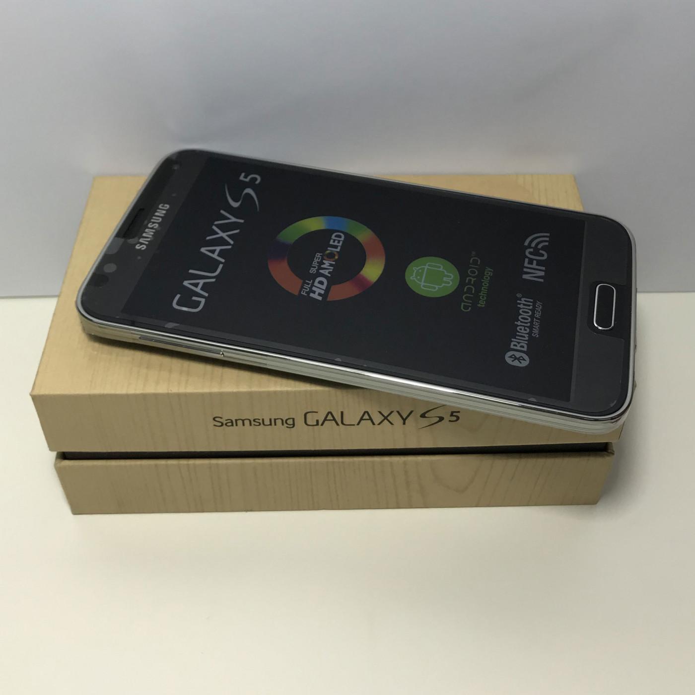 SAMSUNG GALAXY S5 G900F 16GB NERO GRADO A+++ PARI AL NUOVO + SCATOLA E ACCESSORI